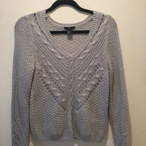 Small Gray V neck Cable knit sweater